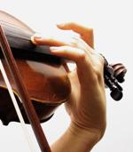 Este hecho puede llevar a estos músicos a la enrome dificultad para encontrar un  buen tratamiento llevándoles  al abandono de su carrera profesional.